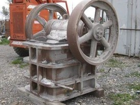 Allis Chalmers 24 x 10 Jaw Crusher